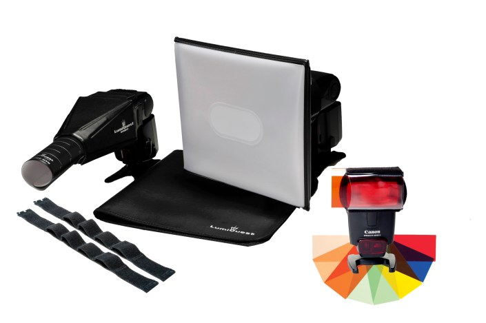 LQ-136 Location Portrait Kit 01